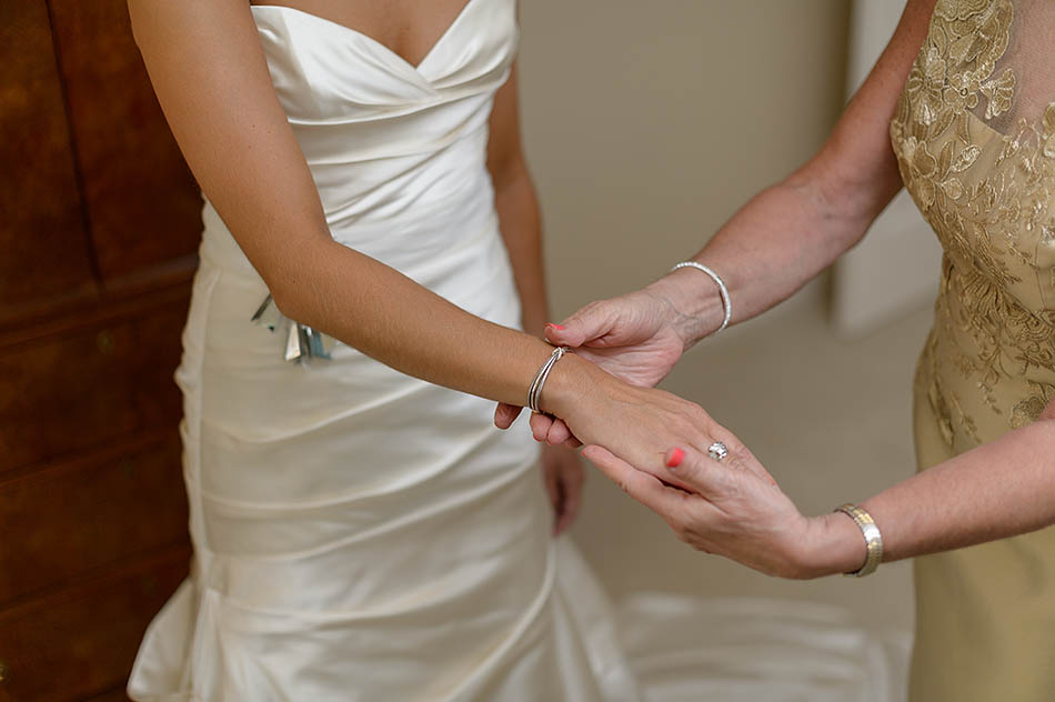 A Plum Brook Country Club wedding by Cleveland wedding photographers Hunter Photographic