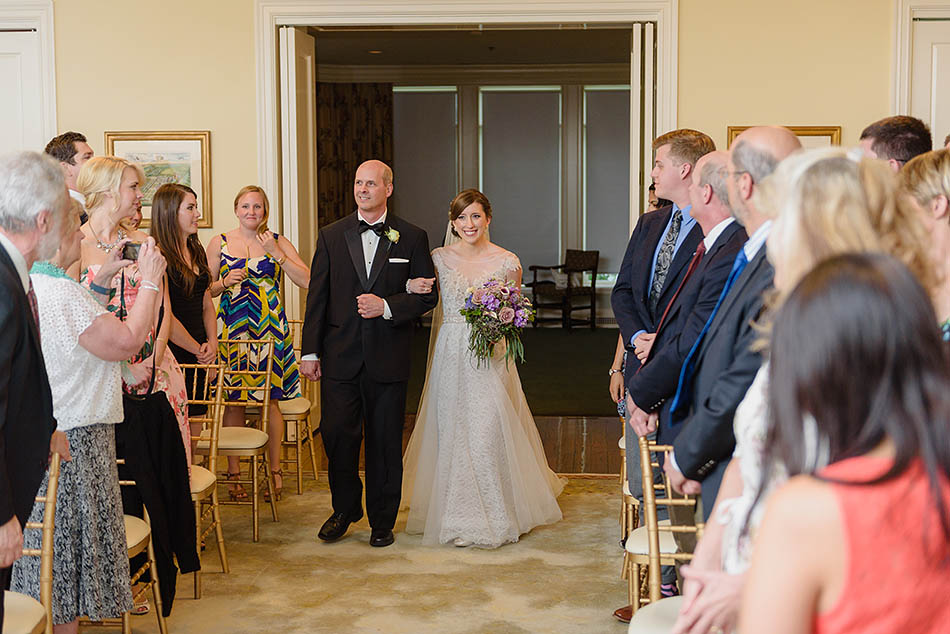 Wedding ceremony at Kirtland Country Club by Cleveland wedding photographer Hunter Photographic