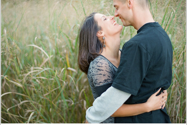Sara & Ryan - Autumn Engagement Session in Chagrin Falls